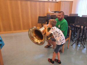 ...bis hin zur großen Tuba!