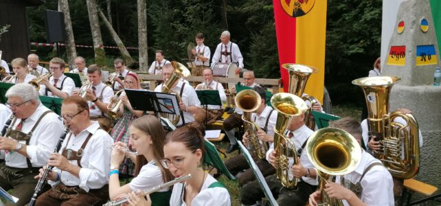 Festmesse & Frühschoppen beim Dreiländerstein