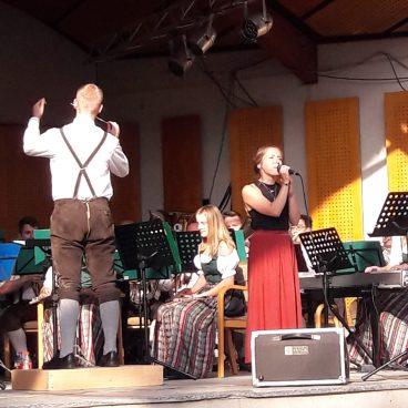 Nadine Dorner verzauberte uns mit ihrem wunderschönen Gesang...